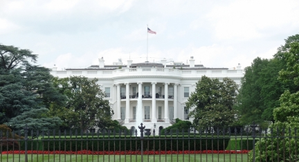 Kids See the Awesome Sight of The White House